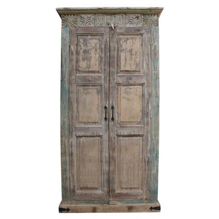 Indiase kast met oude deuren