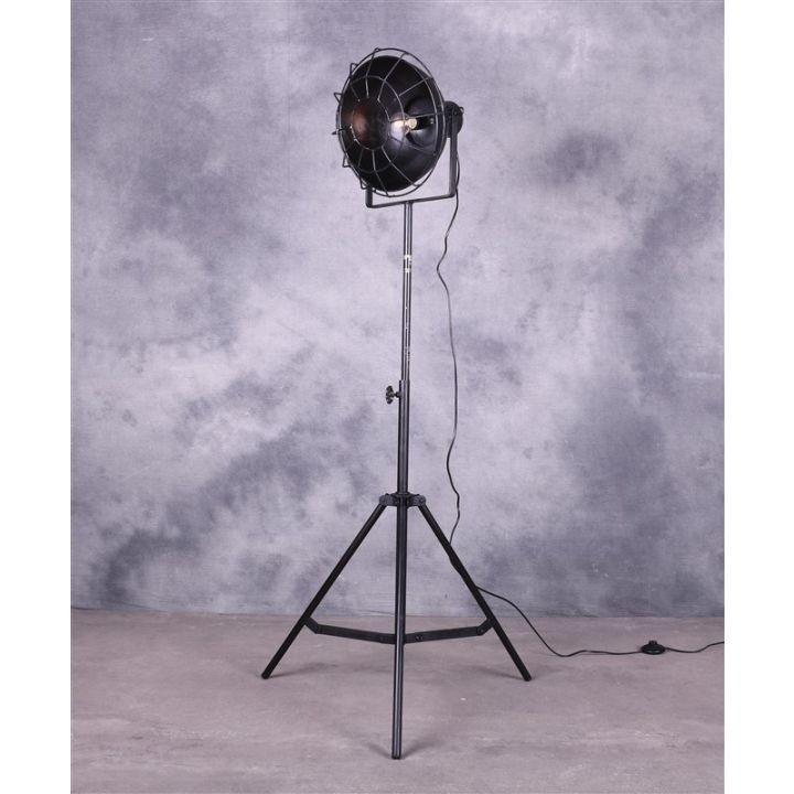 Zwarte industriële lamp